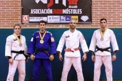 Javier-Delgado-con-medallistas