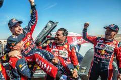 Carlos-Sainz-gana-Rally-Dakar_2196090374_7505360_1300x731