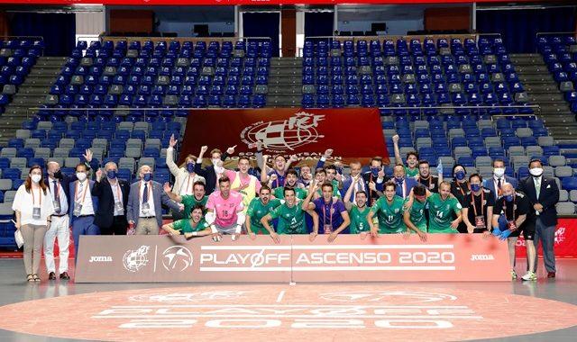 El BeSoccer UMA Antequera es equipo de Primera, al derrotar al Irefrank Elche por 4 a 3.