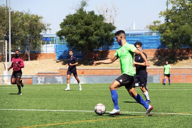 El Mostoles CF se impone por 4 goles a 1 al Villaviciosa de Odón en su primer partido de pretemporada