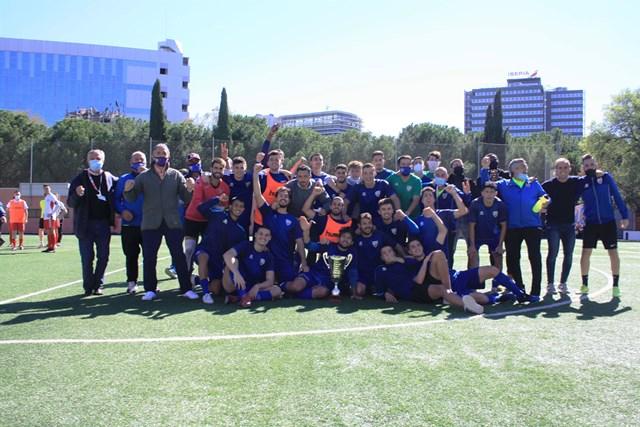 El Móstoles CF se lleva la Copa de Preferente tras superar a la AD Complutense en la tanda de penaltis (6 -5)