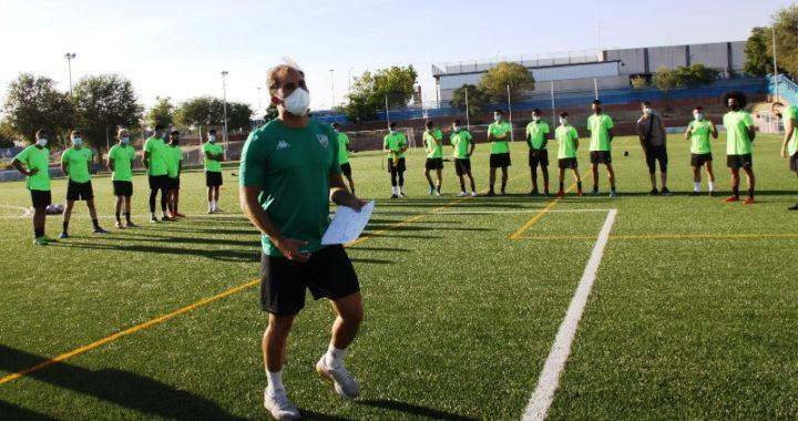 El Mostoles CF rescinde el contrato a su entrenador y a dos jugadores