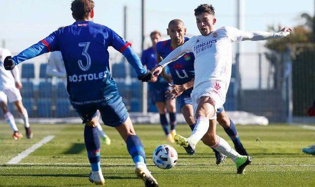 El Móstoles pasa con nota el examen histórico ante el Castilla – Real Madrid Castilla 2-1 CD Móstoles