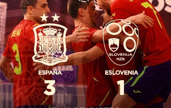 España remonta a Eslovenia en un sufrido encuentro y ya manda en su grupo (3-1)
