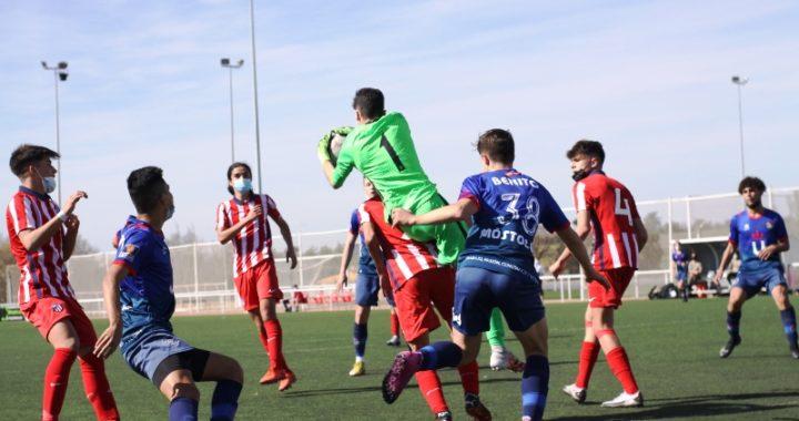 El cadete del Móstoles URJC se impone por 2 goles a 1, al Atco. Madrid.