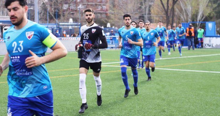 En el Andrés Torrejón el Móstoles CF derrotó al Parla por 4 goles a 3