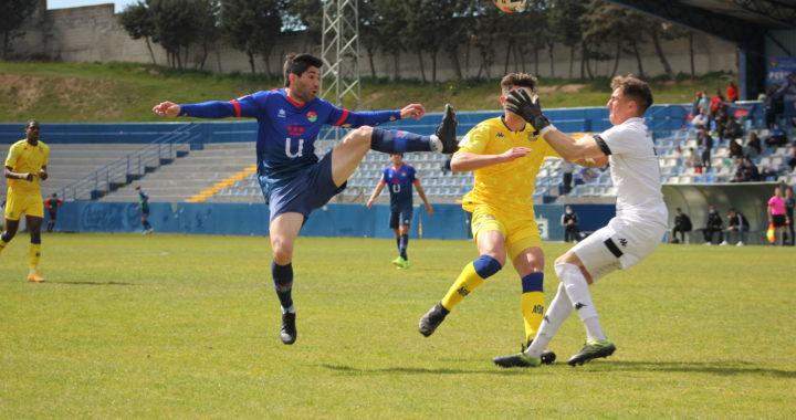 El CD Móstoles URJC, mostró su poderío futbolístico, derrotando por 2 goles a 1 al Alcorcón B