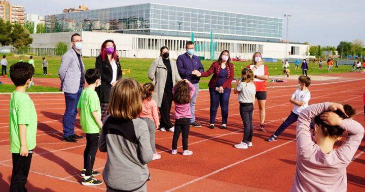 La Alcaldesa visita la Asociación Atlética Móstoles y el Club de Baloncesto Ciudad de Móstoles