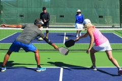 pickleball-mixed-doubles