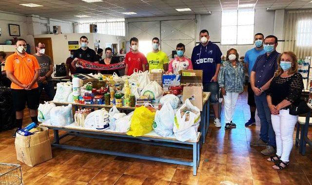 EL balonmano y el baloncesto mostoleño, recaudan 1.500 kg. de alimentos y productos de primera necesidad