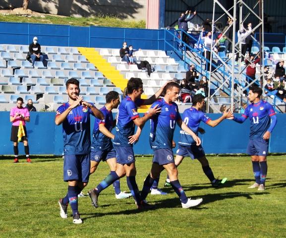 El CD Mostoles URJC se impone al Real CD Carabanchel por 2 goles 0 El CD Mostoles URJC se impone al Real CD Carabanchel por 2 goles 0