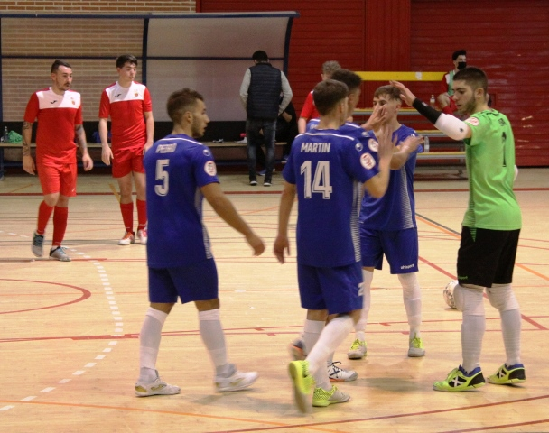 El filial mostoleño de la categoría de 3ª Div. Grupo-3 de fútbol sala, dirigido por Tino de la Cruz, se impone por goleada al Torrejón de La Calzada. (12-1) Con este resultado se posiciona en la 2ª plaza de la tabla con 6 puntos junto al líder Futsal Villaverde con la misma puntuación.